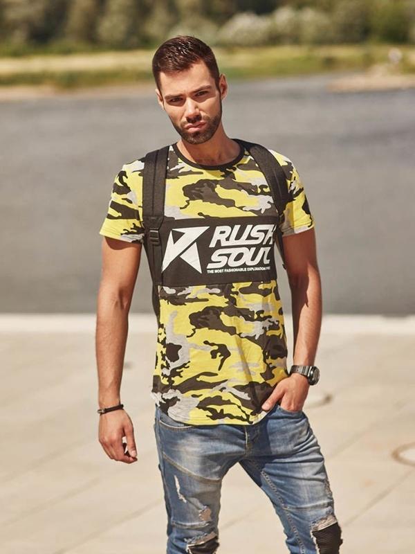 Stylizace č. 292 - hodinky, náramek, tričko s potiskem, džínové jogger kalhoty