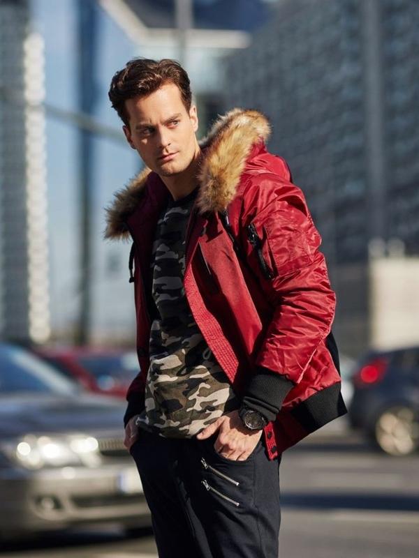 Stylizace č. 337 - hodinky, zimní bunda, mikina bez kapuce, baggy kalhoty